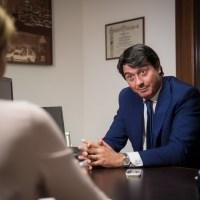 [:it]Simone Manferdini, esperto del settore, spiega come scegliere un professionista di fiducia in un mercato sempre più complesso[:]