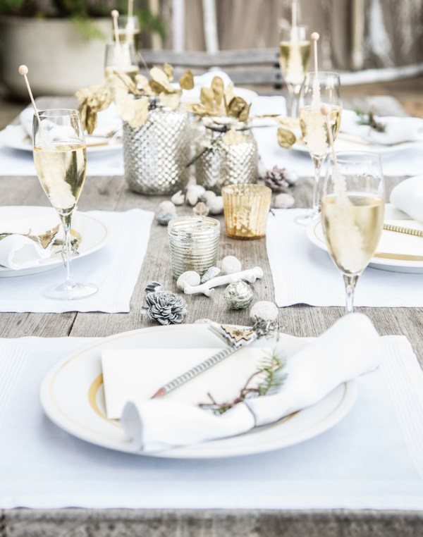 White and Gold Holiday Table Setting