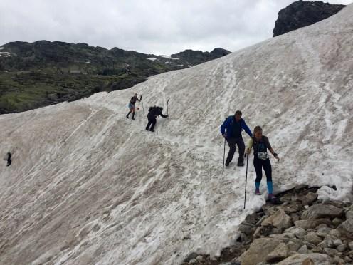 Snowfield crossing Trailrunning