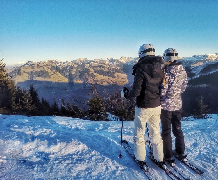You are an Adventure Story skiing Kitzbühel