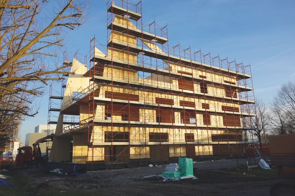 Casa in legno xlam in costruzione