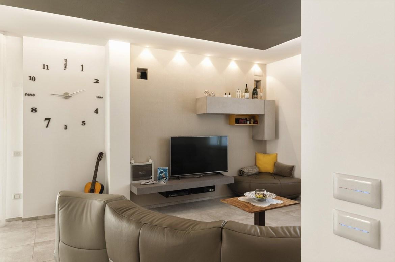 Domotica ave in un touch per un 39 elegante casa a cupello for Controllare il permesso di soggiorno