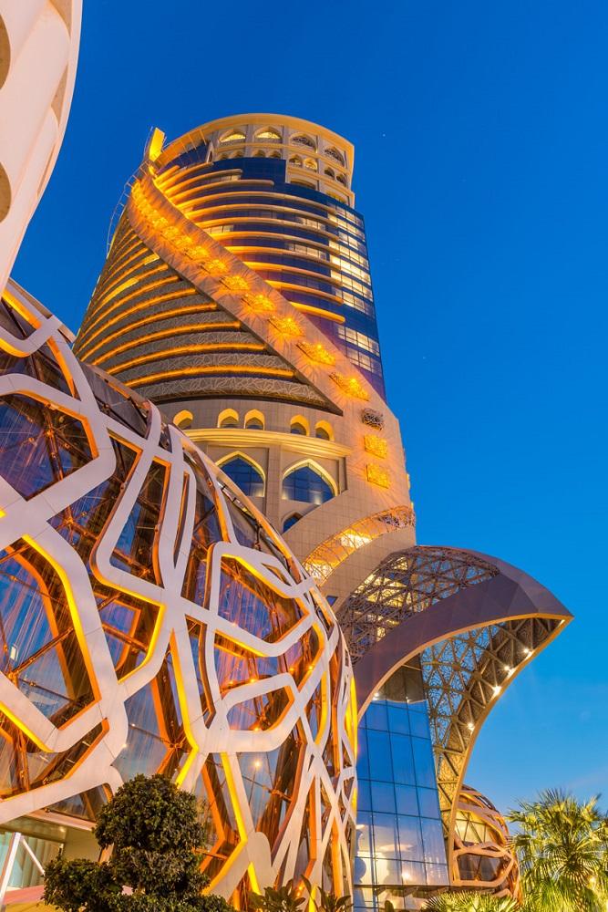 rivestimento ceramico grattacielo qatar esterno mondrian doha