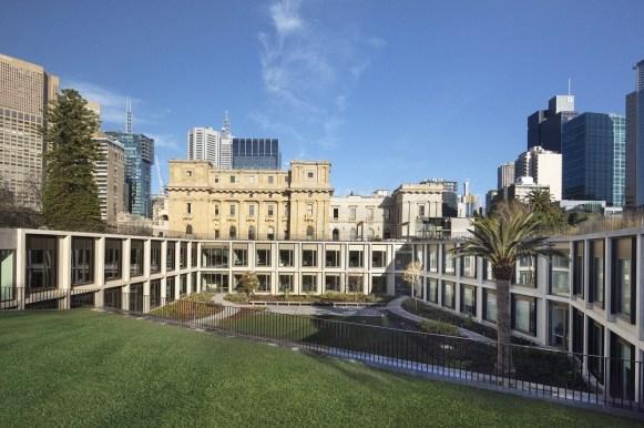 Vista del Parlamento dal giardino orientale