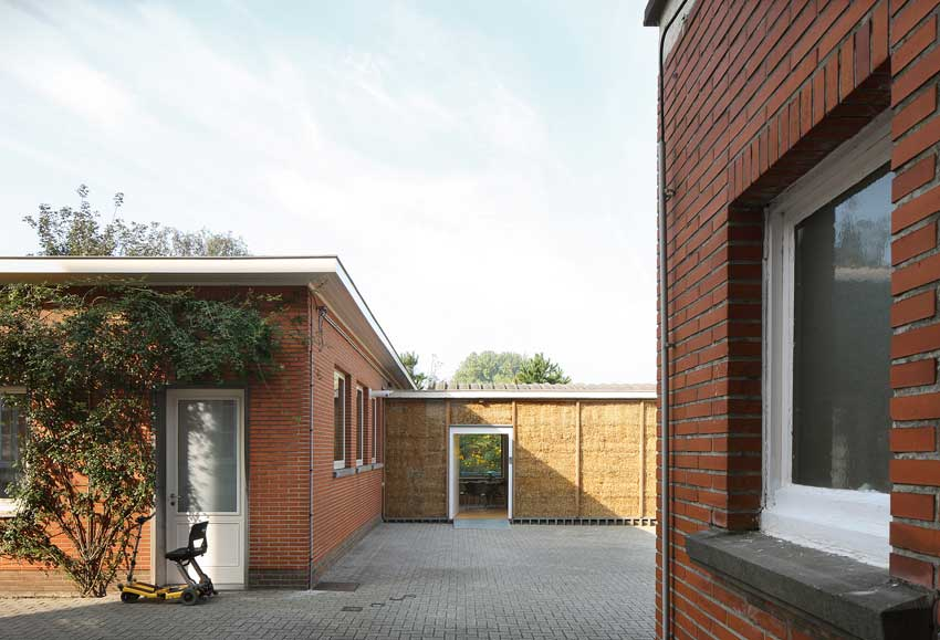 Belgio, Wim Goes Architectuur, Refugee II Temporary House. Foto: Filip Dujardin