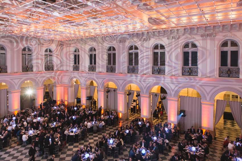 La cerimonia di premiazione al Palais de la Bourse a Bordeaux