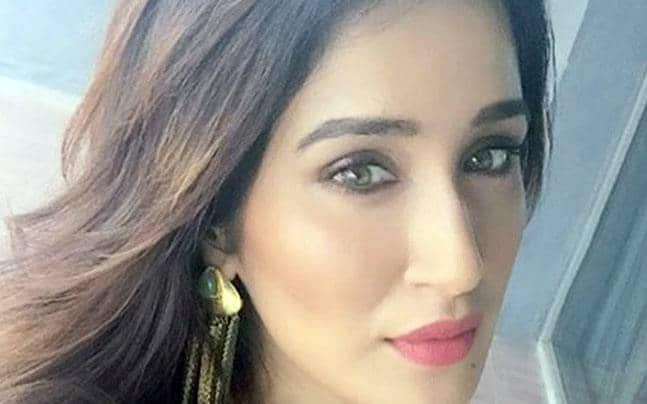 Sagarika Ghatge Biography, Family, Height and weight, Age, Movies List, and Many more.