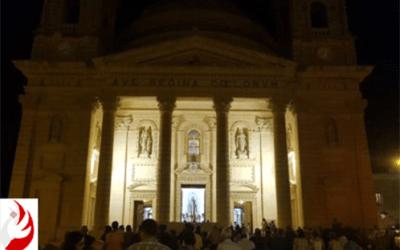 Guarda la prima processione con la Sacra Sindone!