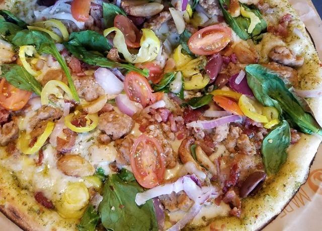 棕榈泉奥特莱斯附近吃饭 Blaze Pizza