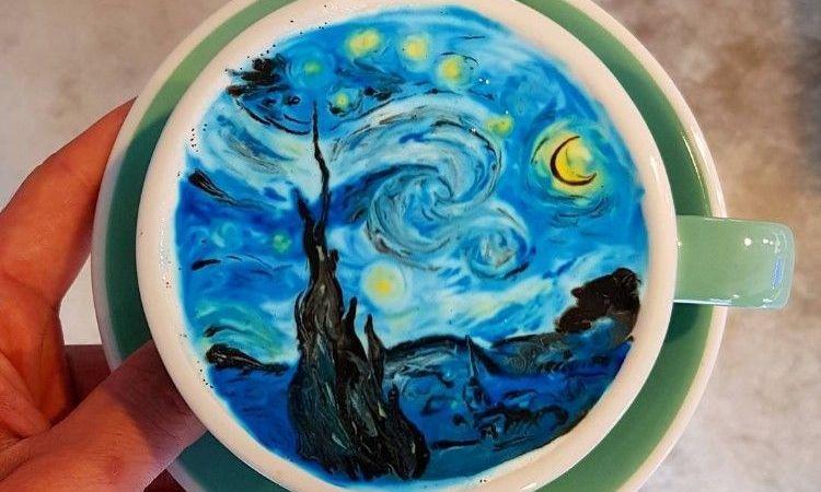 Πώς τον πίνετε τον Βαν Γκογκ σας; Να πως ο αφρός του καπουτσίνο μπορεί να γίνει έργο τέχνης!