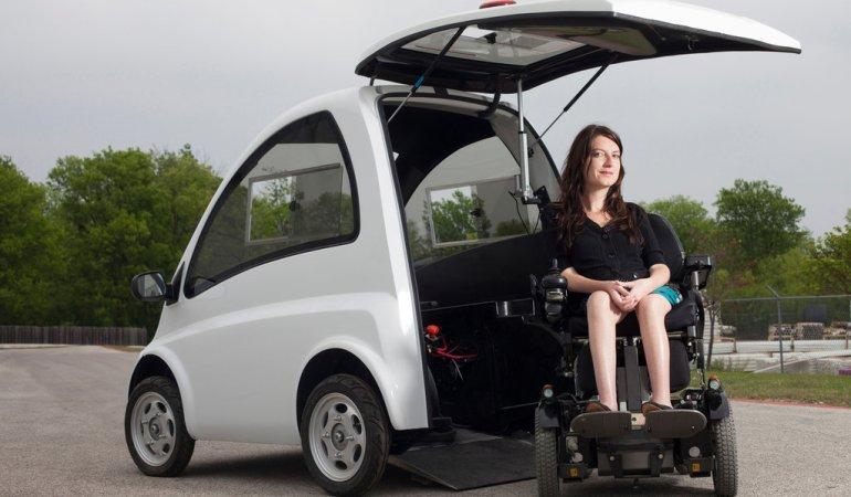 Conduire en chaise roulante? C'est possible avec la Kenguru !