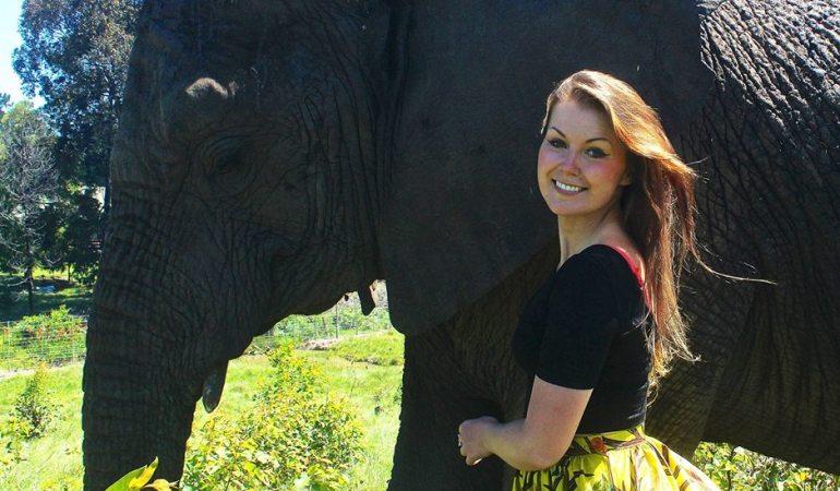 Céline Jurgelevicius et son appareil photo : une vie dédiée à la protection des éléphants