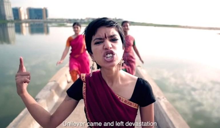 En Inde, Sophia Ashraf utilise le rap comme arme contre les multinationales