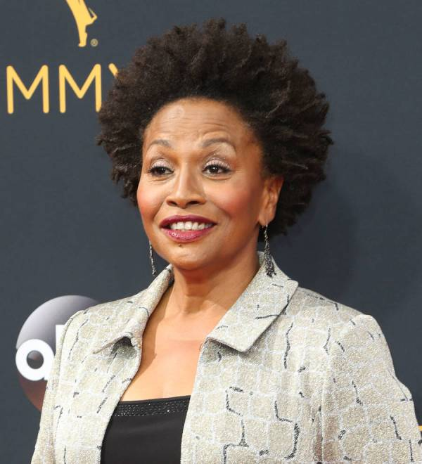 Jenifer Lewis Sues Gym Bosses Conman Lover Allegedly Makes With 50 000 - Young Hollywood