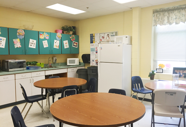 Teachers-Lounge-BEFORE-Dining-Tables