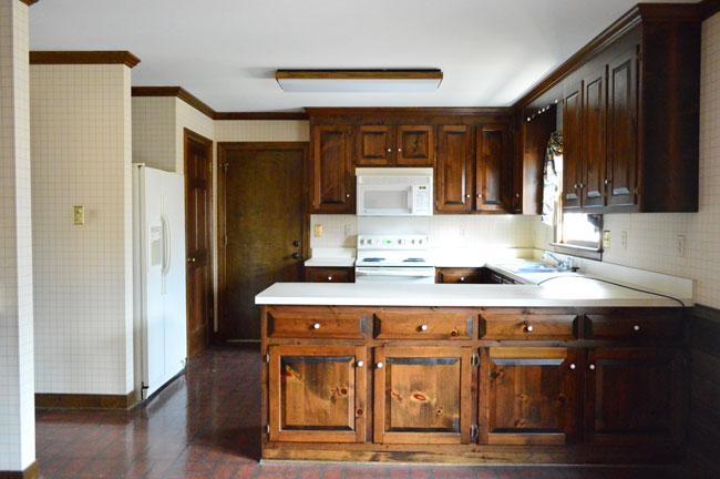 kitchen-before-straight-at-garage-door