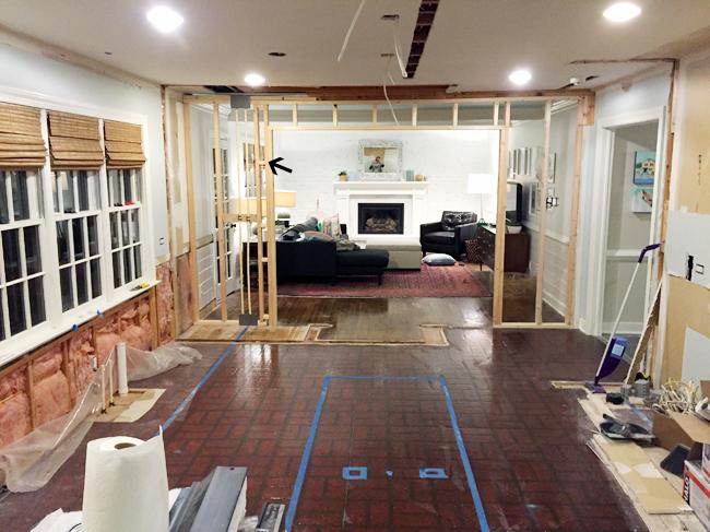 kitchen-mistakes-off-center-doorway