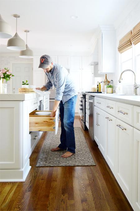 kitchen-remodel-final-john-at-drawer