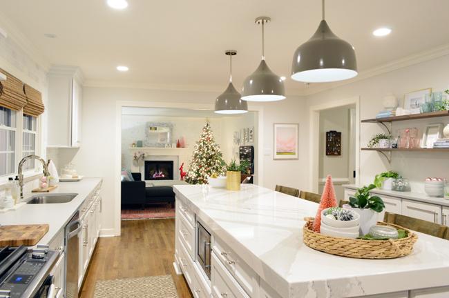 xmas-decor-kitchen-full-view