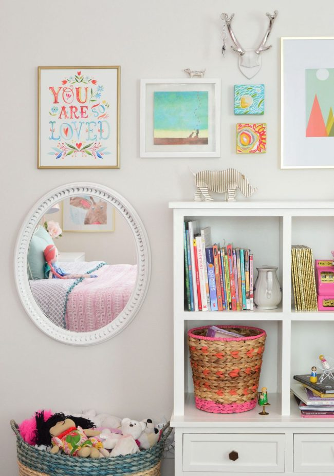 girls bedroom art gallery wall