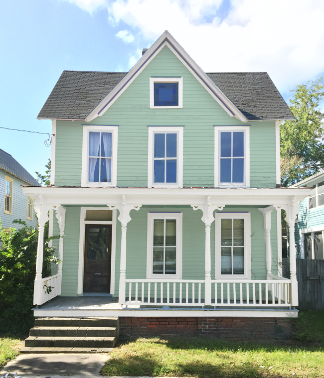 How We Picked Our Beach House Color