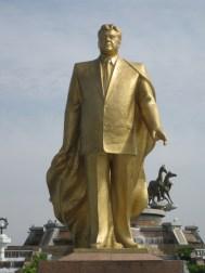 ashgabat turkmenbashy statue