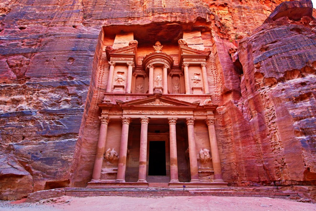 00-lede-petra-jordan-travel-guide