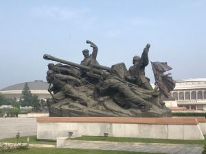 A bronze statue at the War Museum in Pyongyang.