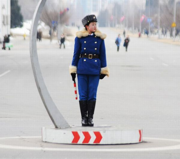 ARCHIVE of WEB STORIES/FEATURES about the PYONGYANG TRAFFIC LADIES  Pyongyang_traffic_girls_01