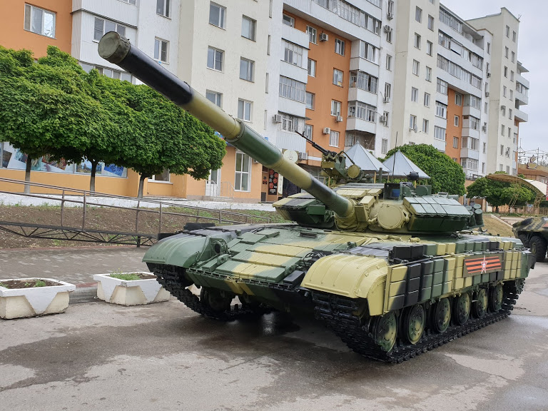 Tanks outside the residential buildings, Transnistria