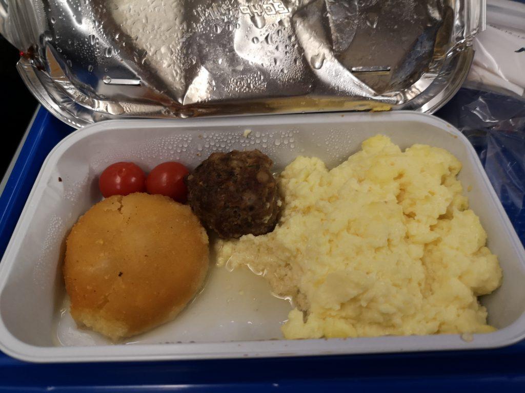 The Yemenia Yemen Airlines breakfast on the Cairo-Socotra flight