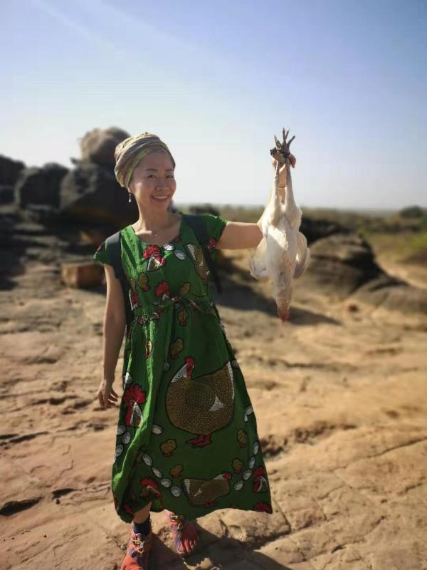 Sacrificial chicken in Dafra