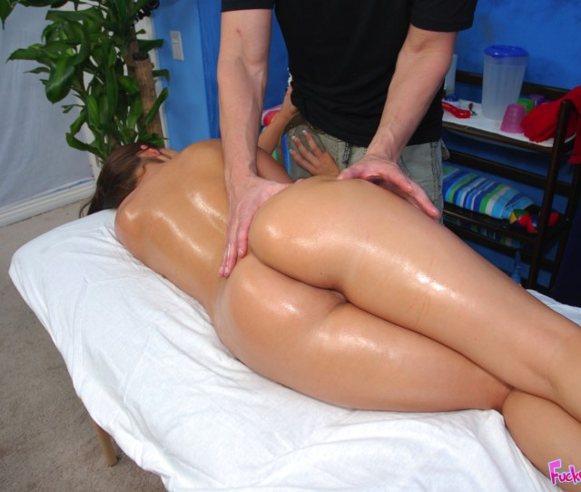 Big Ass 18 Year Old Fucked Hard By Her Massage Therapist