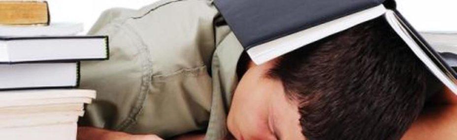 Mio-figlio-non-vuole-andare-a-scuola-center-top-1140x350
