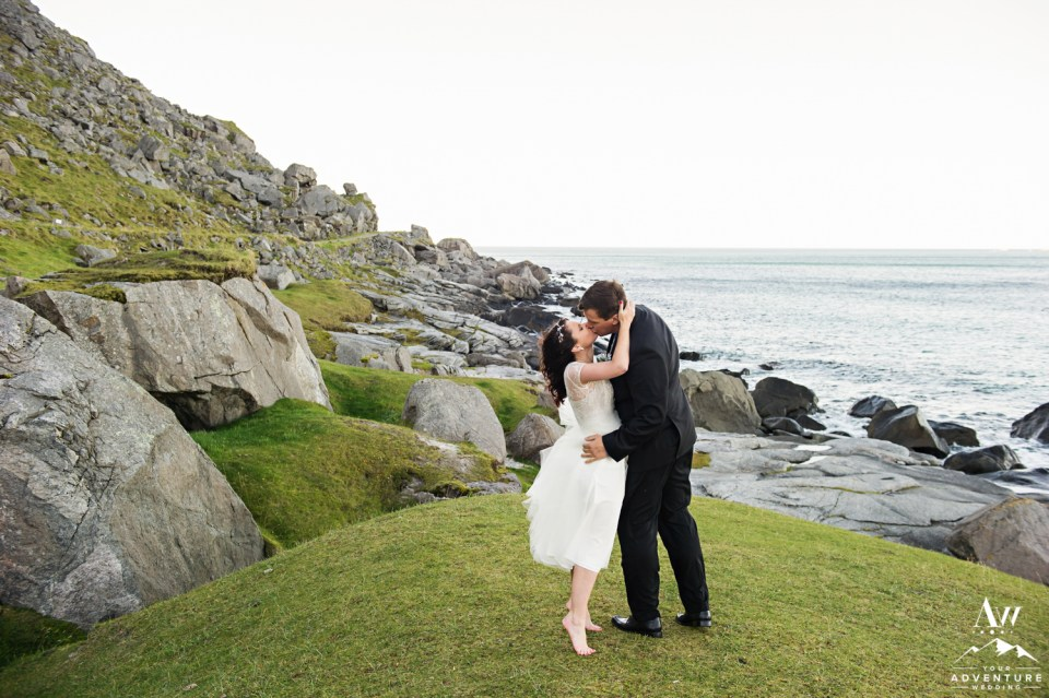 lofoten-islands-norway-elopement-photographer-your-adventure-wedding-43