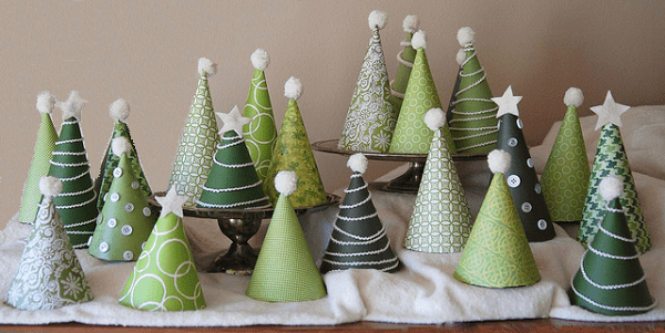 https://i0.wp.com/www.youramazingplaces.com/wp-content/uploads/2013/11/Mini-Christmas-Trees.png?resize=600%2C301