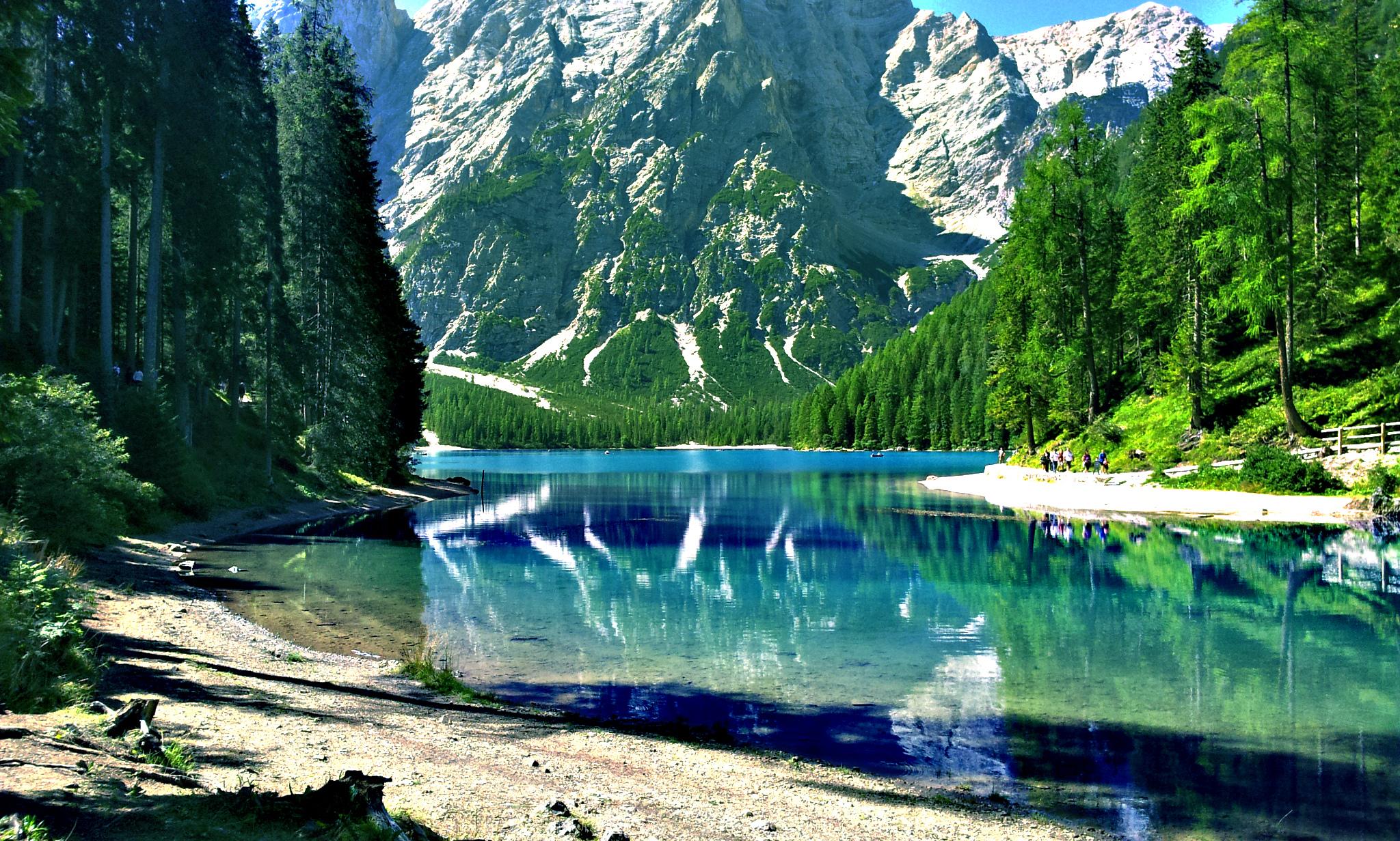Relax at The Lake Braies Italy  YourAmazingPlacescom
