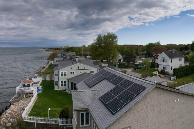 3 Reasons to Avoid Installing Solar Panels as A DIY Project