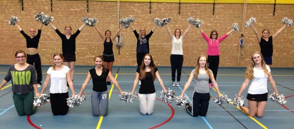 Groepsfoto na de workshop cheerleading