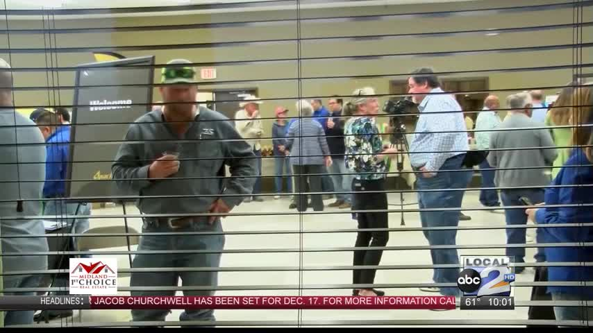 Apache Meets with Balmorhea Residents