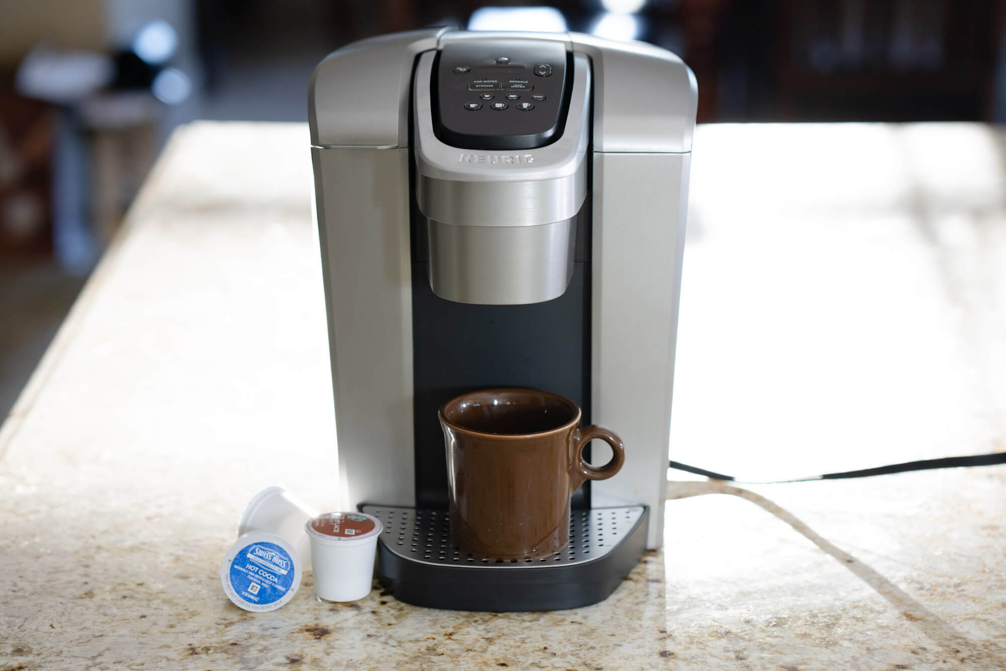 hight resolution of it s versatile easy to use and allows some adjustment plus it makes decent coffee