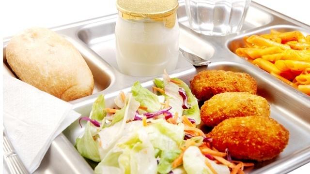 School lunch cafeteria_1494870226334.jpg
