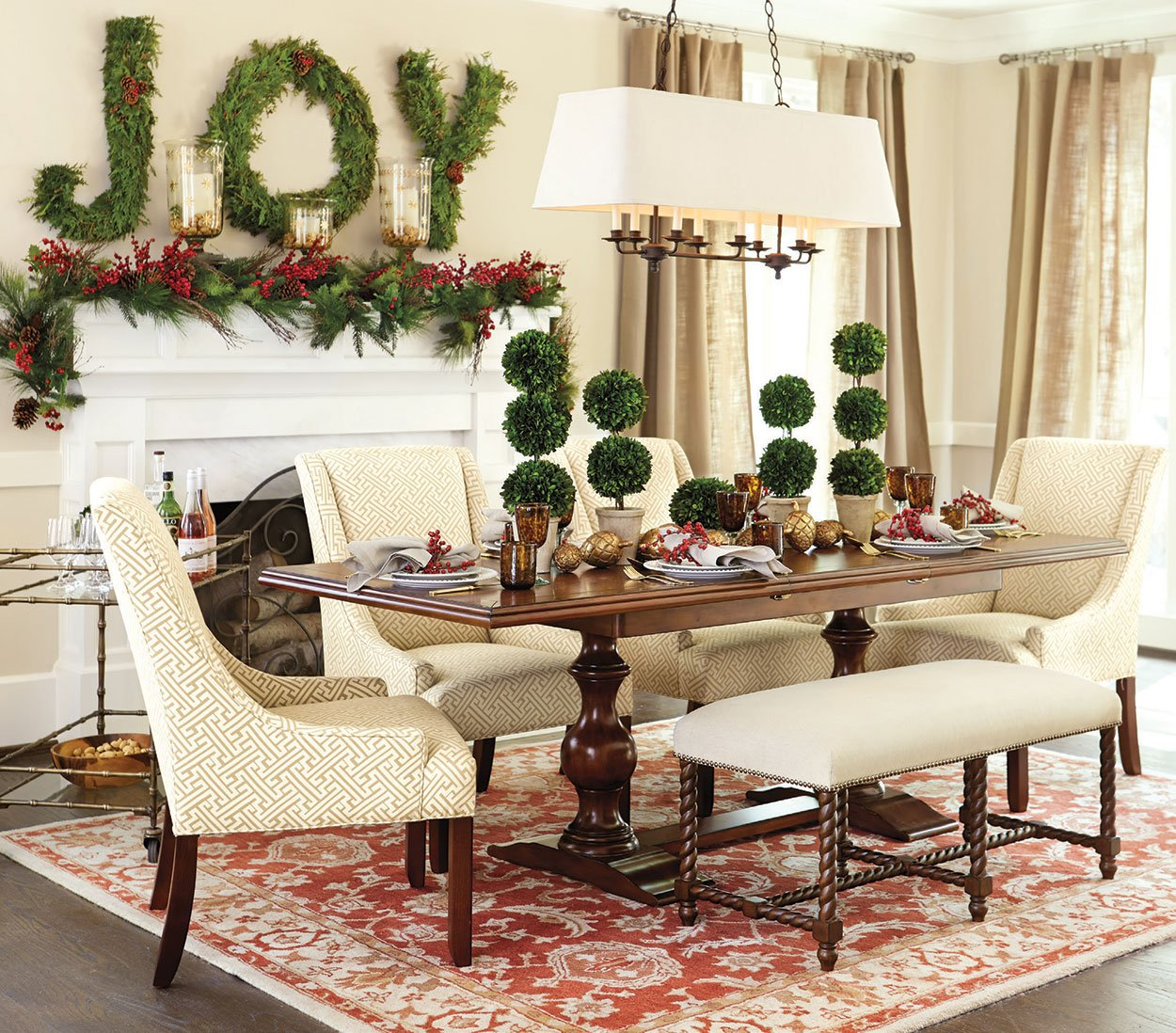 Holiday Home Design Ideas: A Colorado Christmas Design Trend: Stylized Woodland