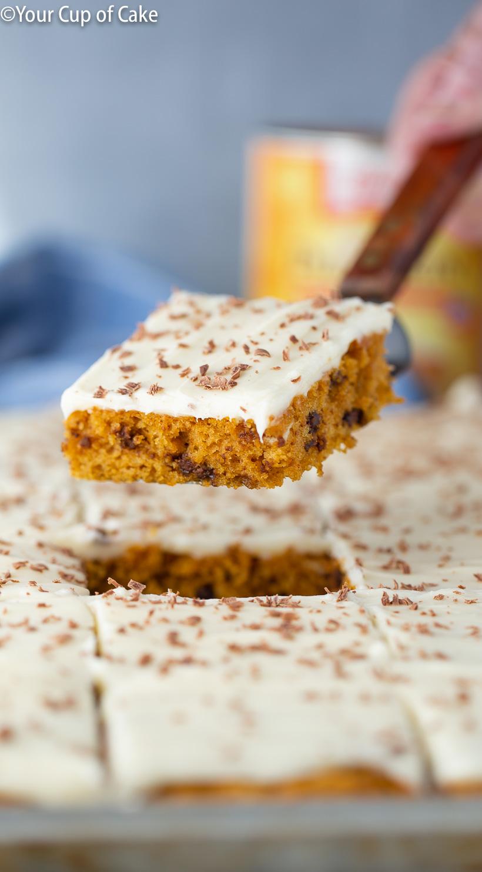 ¡Hago este pastel de calabaza con trocitos de chocolate CADA AÑO! ¡Es tan bueno!