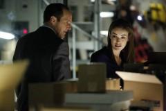 Coulson (Clark Gregg) and Simmons ( Elizabeth Henstridge