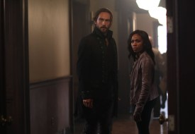 Ichabod and Abbie must enlist the help of an outsider in order to help Jenny and get the coin