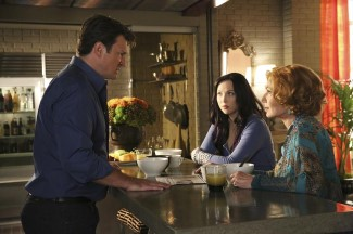 Castle tries to explain to 'alternate' Alexis and Martha that he's been transported to a parallel universe.