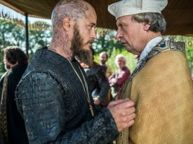 Ragnar makes a very controversial decision that some in his inner circle might have difficulties accepting.
