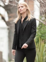 Claire Danes as Carrie Mathison in Homeland (Season 4, Episode 02). - Photo:  David Bloomer/SHOWTIME