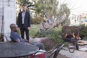 Liev Schreiber as Ray Donovan and Wole Parks as Carl in Ray Donovan (Season 3, Episode 02). - Photo: Michael Desmond/SHOWTIME - Photo ID: RayDonovan_302_4014.R